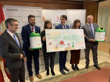 La Junta y Ecovidrio colaboran con un donativo de 18.000 € para la Fundación Juegaterapia con destino a la unidad de oncología pediátrica del Hospital Clínico de Valladolid